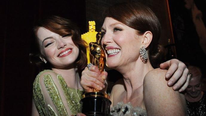 7. When Emma Stone consoled herself with a Lego Oscar while hanging out with Julianne Moore's real one.