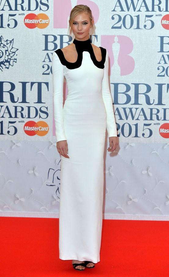 brit awards 2015 red carpet karlie kloss