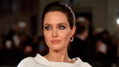 Angelina Jolie Undergoes Surgery to Remove Ovaries