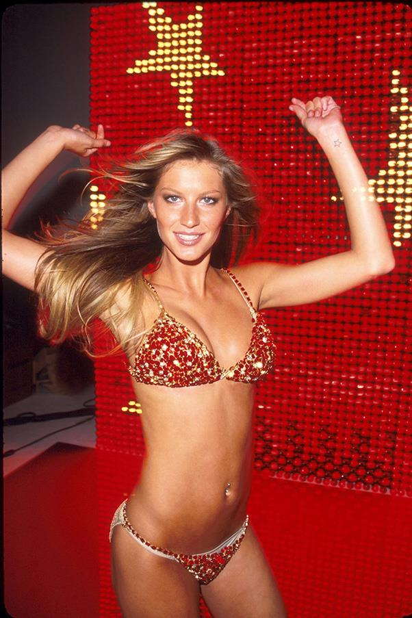 <br><strong>Victoria's Secret</strong> <br><strong><em>2000</em></strong> <br>Gisele hits the modelling jackpot and makes her début as a Victoria's Secret Angel. Little does she know she'll become one of their most iconic faces of all time.
