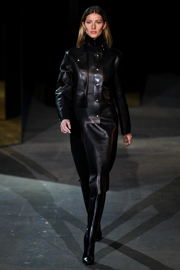 <br><strong>Alexander Wang</strong> <br><strong><em>2012</em></strong> <br>Gisele stuns in this all-leather ensemble by Alexander Wang.