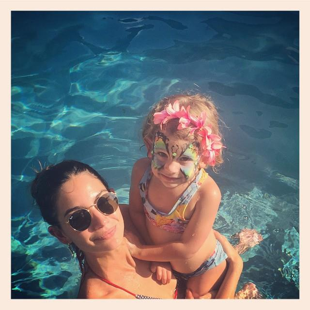 Lily Aldridge knows her way around a swimsuit - and a great pair of sunglasses. <em><br><br>Instagram/@lilyaldridge</em>