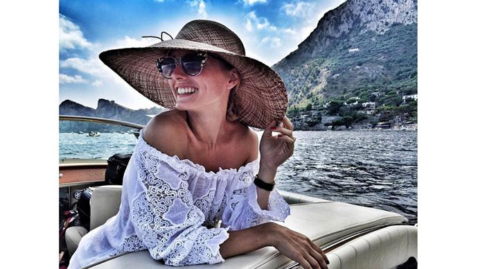 <strong>Olivia Palermo</strong><br> @oliviapalermo enjoys being out at sea whilst on vacation with husband Johannes Huebl, in Positano, Italy.