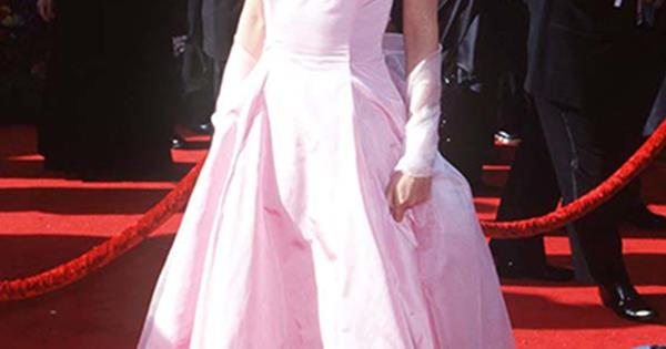 c7c94bd086 100 Best Red Carpet Gowns - Most Iconic Red Carpet Looks