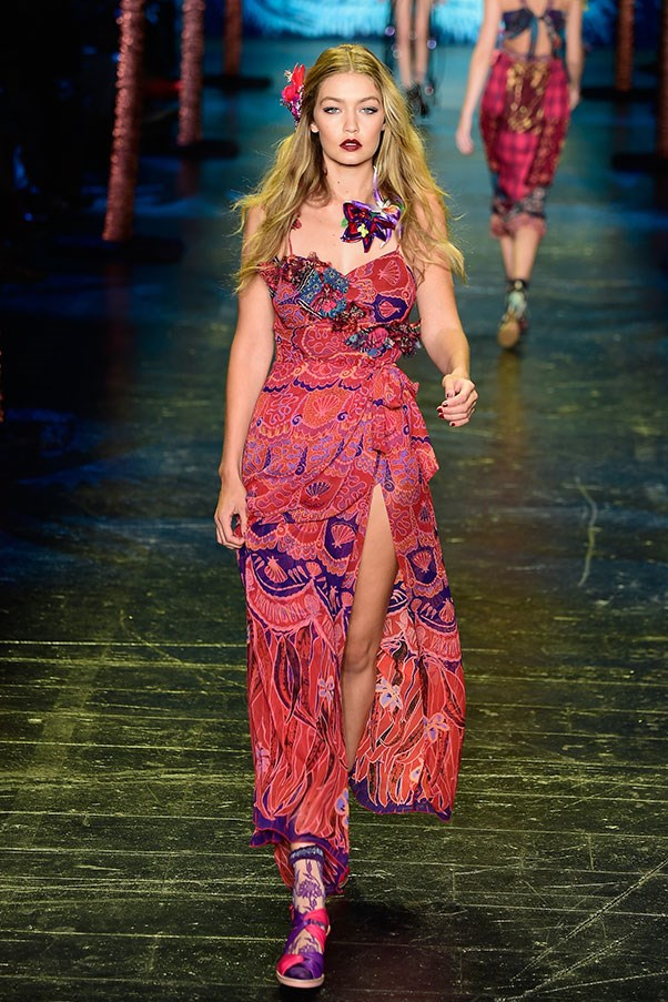 "Walking for <a href=""http://www.harpersbazaar.com.au/runway-report/the-shows/ready-to-wear/2015/9/anna-sui-ss16-rtw/"">Anna Sui SS16</a>"