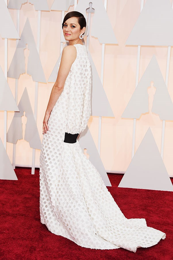 <strong>CHRISTIAN DIOR</strong><BR><BR> Marion Cotillard at the Academy Awards