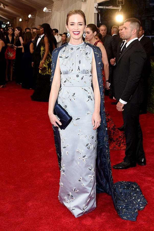 <strong>PRADA/MIU MIU</strong><BR><BR> Emily Blunt at the Met Gala