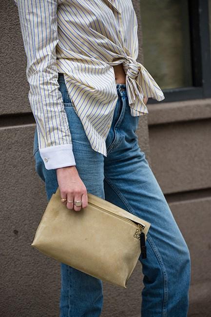 <strong>3. A zip top purse:</strong>