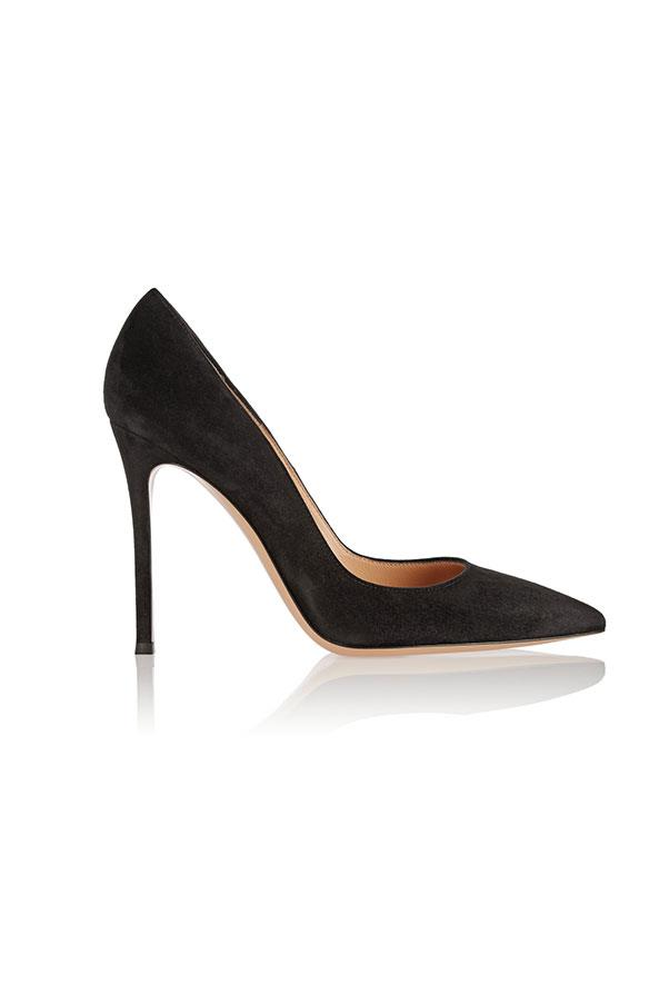 "<strong>1. A classic black pump:</strong> <br><br> Buy: Gianvito Rossi suede pump, $662, at <a href=""http://www.net-a-porter.com/au/en/product/535955"">Net-a-Porter</a>"