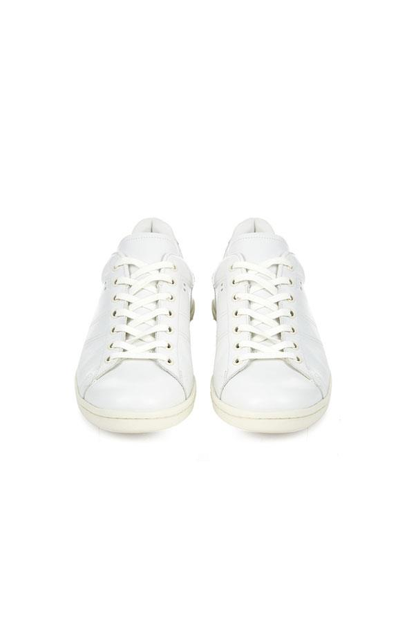 "<strong>2. A bright white sneaker:</strong> <br><br> Buy: Isabel Marant leather trainers, $535, at <a href=""http://www.matchesfashion.com/au/products/Isabel-Marant-%C3%89toile-Bart-leather-trainers-1023729"">Matches Fashion</a>"