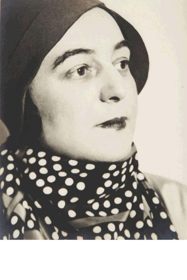 <strong>10. SONIA DELAUNAY</strong><BR><BR> <strong>Known For:</strong> Her colorful geometric paintings and fabric patterns.<BR><BR> <strong>Signature Style:</strong> Cloche hats, bold prints and dark lips.<BR><BR> <strong>Why We Love Her:</strong> She was the first living female artist to have a retrospective at the Louvre.