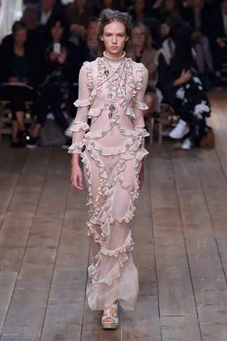 aLEXANDER MCQUEEN spring summer 2016 New York fashion week show