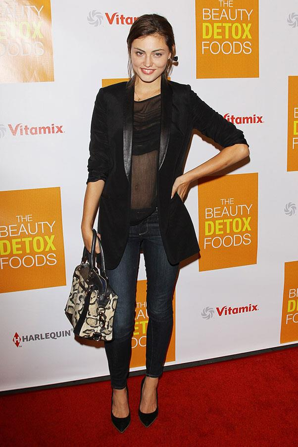 """<strong>2013</strong><br><br> At the """"The Beauty Detox Foods"""" book launch"""