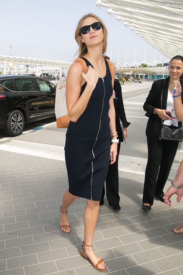 <strong>1. A chic but comfortable sandal:</strong><br><br> Karlie Kloss