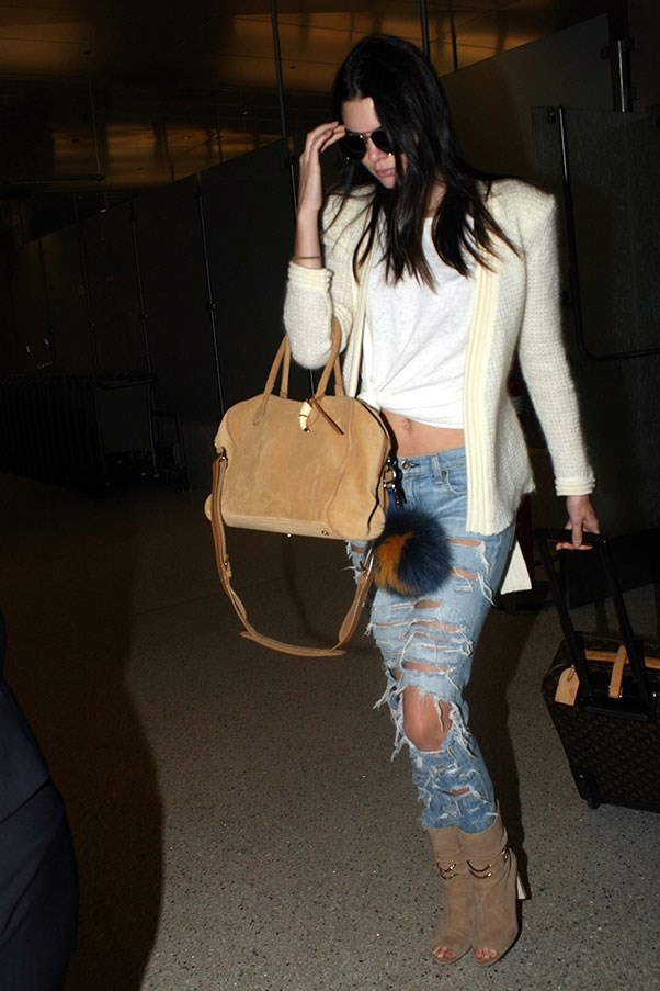 <strong>2. A cropped white tee:</strong><br><br> Kendall Jenner