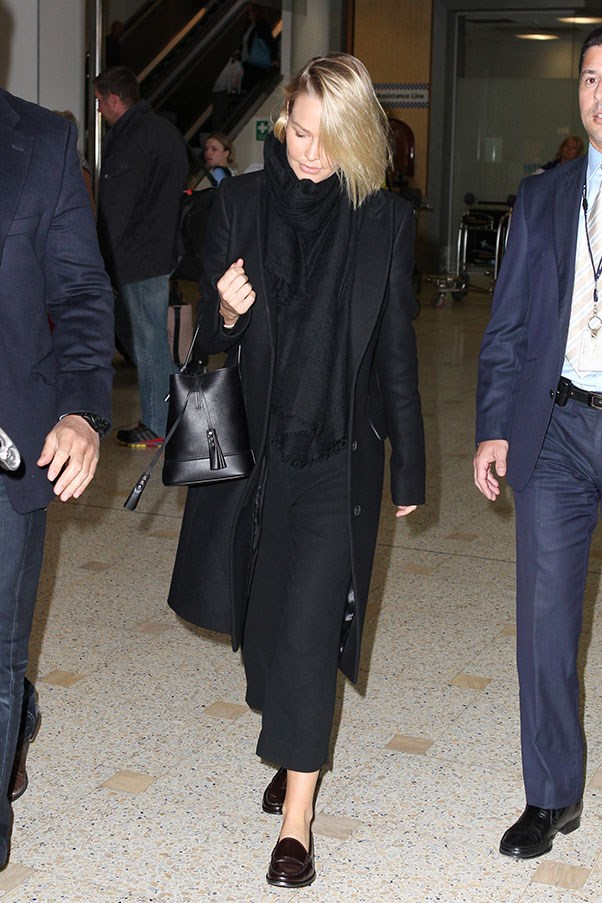 <strong>5. Anything (and everything) black:</strong><br><br> Lara Worthington