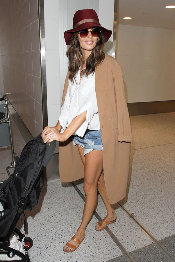 <strong>6. An oversized coat</strong><br><br> Nicole Trunfio