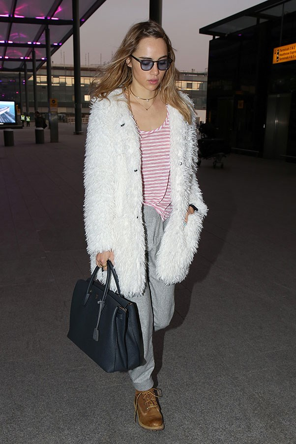 <strong>10. A large tote</strong><br><br> Suki Waterhouse