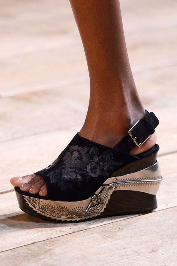 Модне взуття весна-літо 2016  5 трендів сезону (фото) - Жіночий журнал  TerraWoman.UA f8a70353b0114