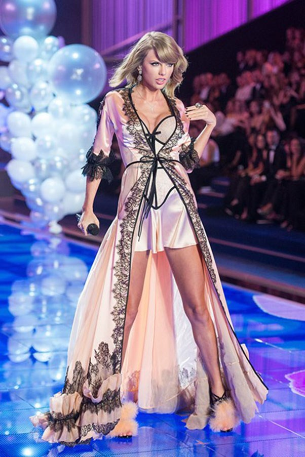 Taylor even got her lingerie game on for her appearance in 2014.