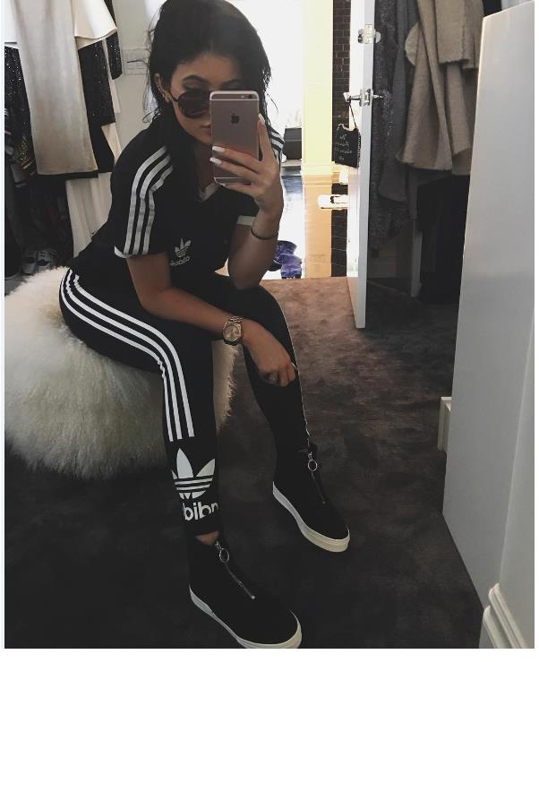 "<strong>Kendall, is Kylie a heels or flats girl?</strong> <br><br> Sneakers. <br><br> <a href=""https://instagram.com/kyliejenner/"">@kyliejenner</a>"