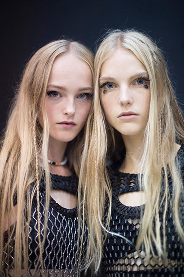 <strong>3. BRAIDS</strong><BR><BR> Louis Vuitton S/S 2016