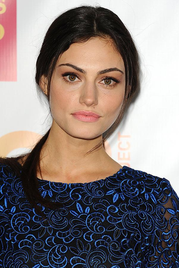<strong>5. TENDRILS</strong><BR><BR> Phoebe Tonkin