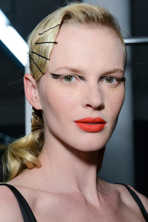 <strong>6. VISIBLE HAIR ACCESSORIES</strong><BR><BR> Zac Posen A/W 2014-15