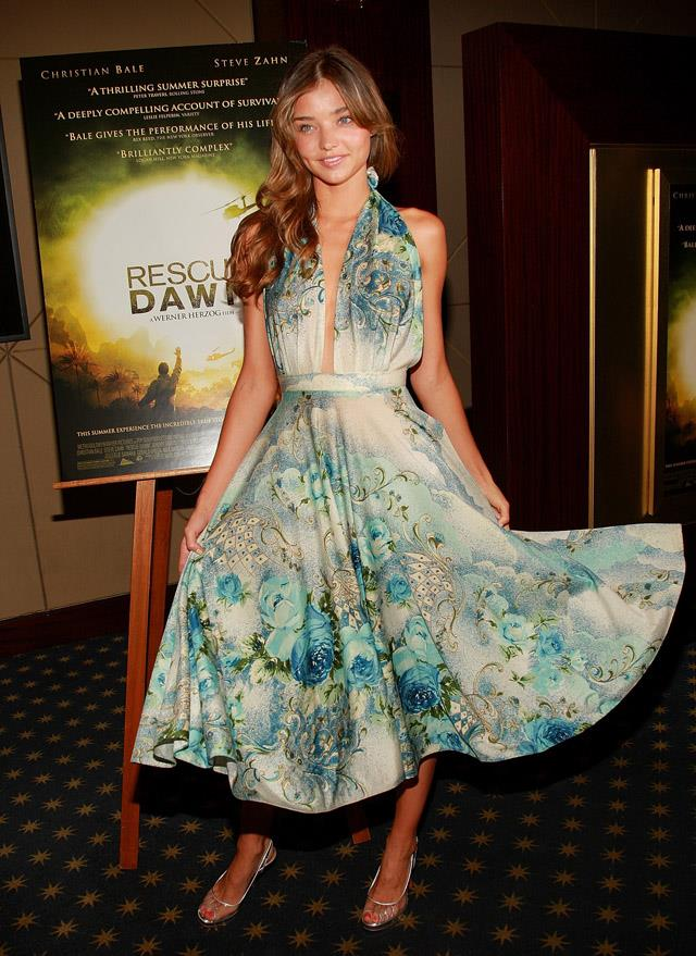 <strong>June 25, 2007</strong> <br><br> Miranda Kerr opts for minimal makeup at the premiere for <em>Rescue Dawn</em> in New York.