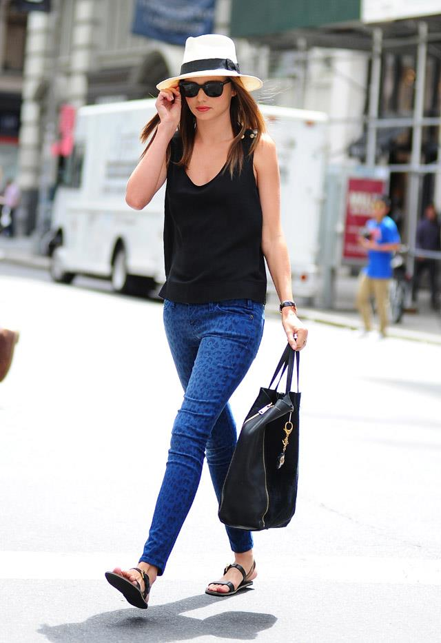 <strong>June 26, 2012</strong><br><br> Miranda rocks off-duty chic in New York city.