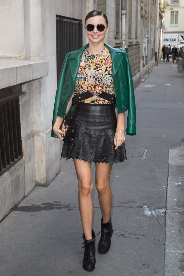 <strong>October 7, 2015</strong><br><br> Miranda wearing Louis Vuitton en-route to the brand's S/S 2016 show in Paris.