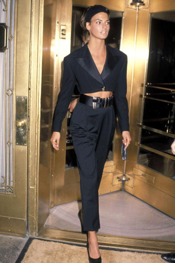 <strong>ALL THE WAY TO THE CROP</strong><br><br> Linda Evangelista