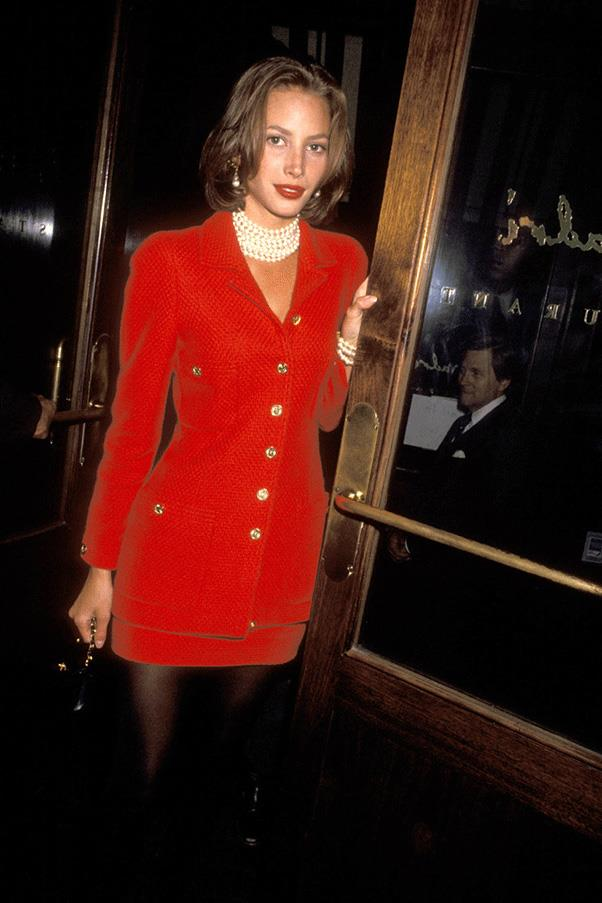 <strong>RED HOT </strong><br><br> Christy Turlington