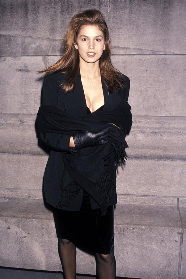 <strong>BACK IN BLACK</strong><br><br> Cindy Crawford