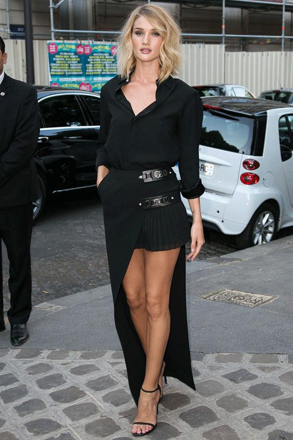 <strong>BACK IN BLACK</strong><br><br> Rosie Huntington-Whiteley