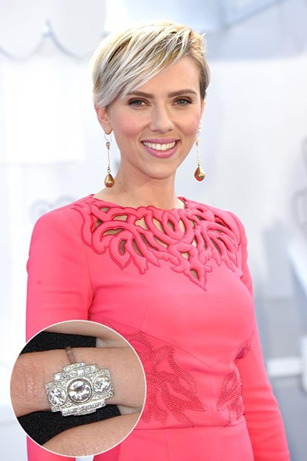 Scarlett Johansson's second engagement ring wasa art deco inspired and reportedly vintage.