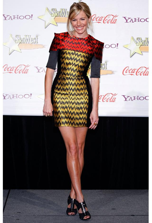 Looking sleek in a figure-hugging mini dress at the ShoWest 2009 Awards Ceremony.