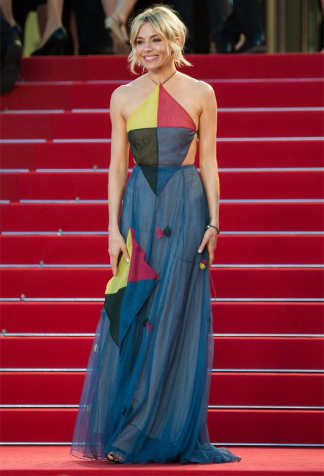 In kite-inspired Valentino at <em>The Sea of Trees </em> premiere, 2015.