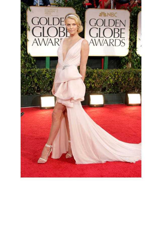 <strong>Charlize Theron, 2012</strong> <br><br> In Christian Dior.