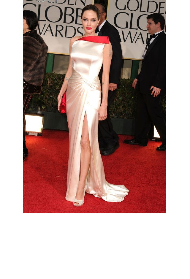 <strong>Angelina Jolie, 2012</strong> <br><br> In Atelier Versace.