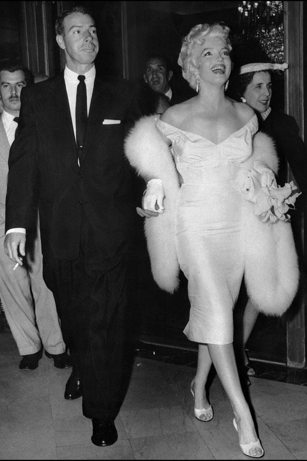 <strong>1954</strong> <br><br> Joe Dimaggio and Marilyn Monroe