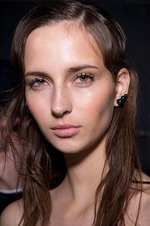 <strong>JASON WU</strong> <br><br> It was all about lashes at Jason Wu's autumn/winter 16 show. The make-up artist Yadim layered on Maybelline's Colossal Spider Effect Mascara onto every model's lashes after contouring the eye area with brown shadow. <br><br> <strong>Jason Lloyd-Evans</strong>