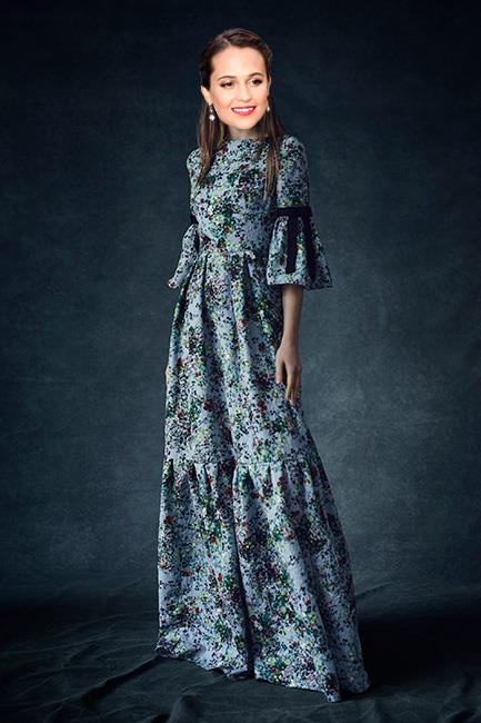 <strong>Alicia Vikander</strong><br><br> Erdem pre-fall<br><br> While there's about a 1000% percent chance that Vikander will wear bespoke Louis Vuitton to Hollywood's night of nights (she wears it so well) let's all just imagine for a second that she chooses an indie instead. We know she likes Erdem (see the Palm Spring International Film Festival Awards Gala) , we also know that see can pull off a bell sleeve (see her in Louis Vuitton in Venice) so in an alternate, non-contractually obliged universe this Erdem  pre-fall look could be a real goer.