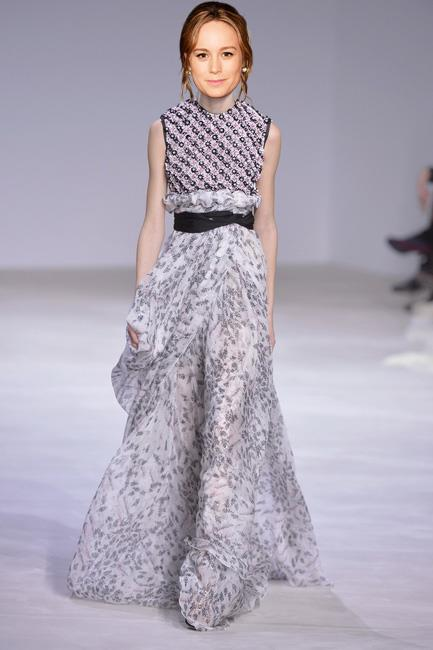 <strong>Brie Larson</strong><br><br> Giambattista Valli haute couture S/S 16<br><br> Can Larson top her pitch perfect Calvin Klein Collection Golden Globes look? I say yes she can in this fresh off the catwalk Giambattista Valli couture look.
