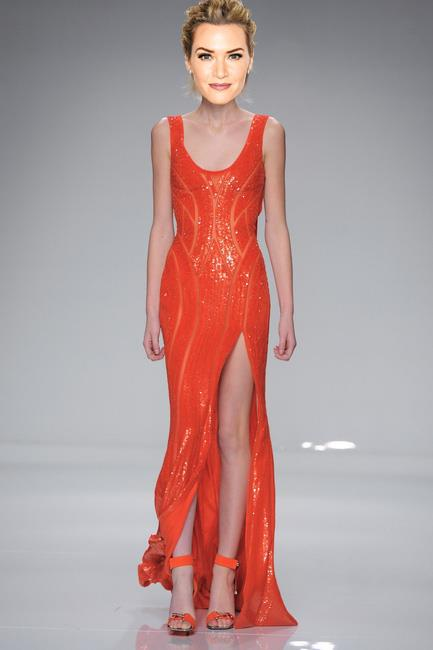 <strong>Kate Winslet</strong><br><br> Atelier Versace haute couture S/S 16<br><br> Winslet knows what works for her – body-con and bold – and she'll go with any designer who can provide it, so I kind of love this tangerine Atelier Versace look for her.