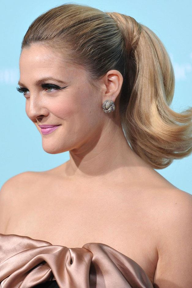 <strong>Retro flip</strong> <br><br> Drew Barrymore