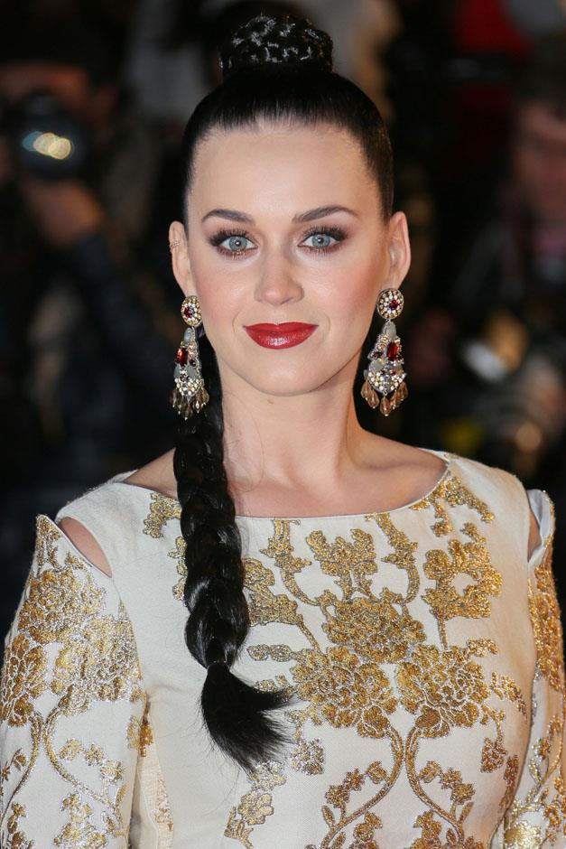 <strong>Cleopatra plaits</strong> <br><br> Katy Perry
