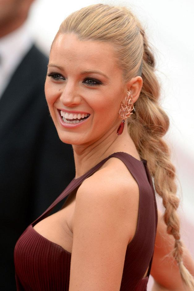 <strong>Mermaid tail</strong> <br><br> Blake Lively