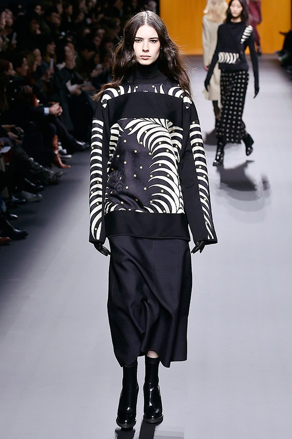 "<strong>HERMÈS</strong><BR><BR> Cybulski added in a number of prints this season, all of which played off a navy and white colour scheme that seemed almost like the tones found in an ""evil eye"" symbol. She paired them back with traditional navy separates, but also mixed prints together for a bolder look."