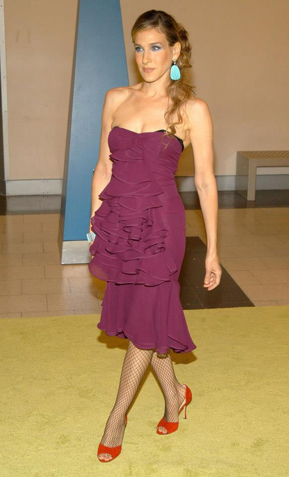 <strong>2003</strong> <br><br> Floating through the SATC season 6 premiere.
